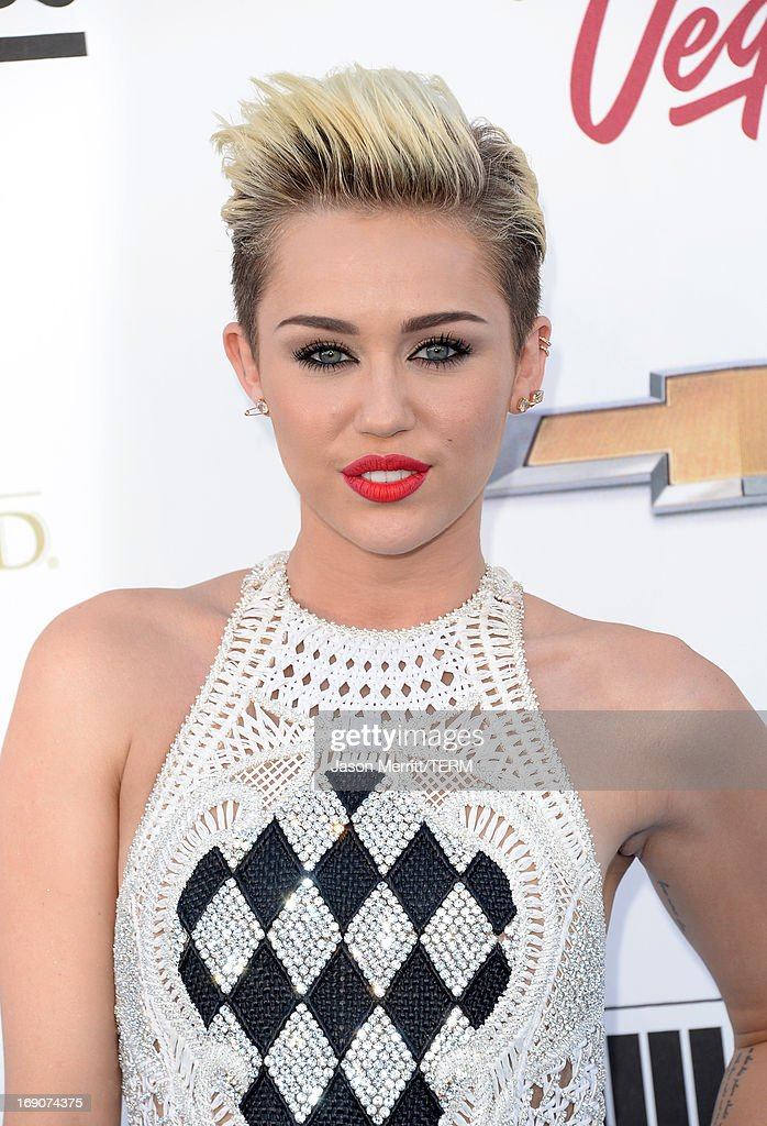 Singer/Actress Miley Cyrus arrives at the 2013 Billboard Music Awards at the MGM Grand Garden Arena on May 19, 2013 in Las Vegas, Nevada.