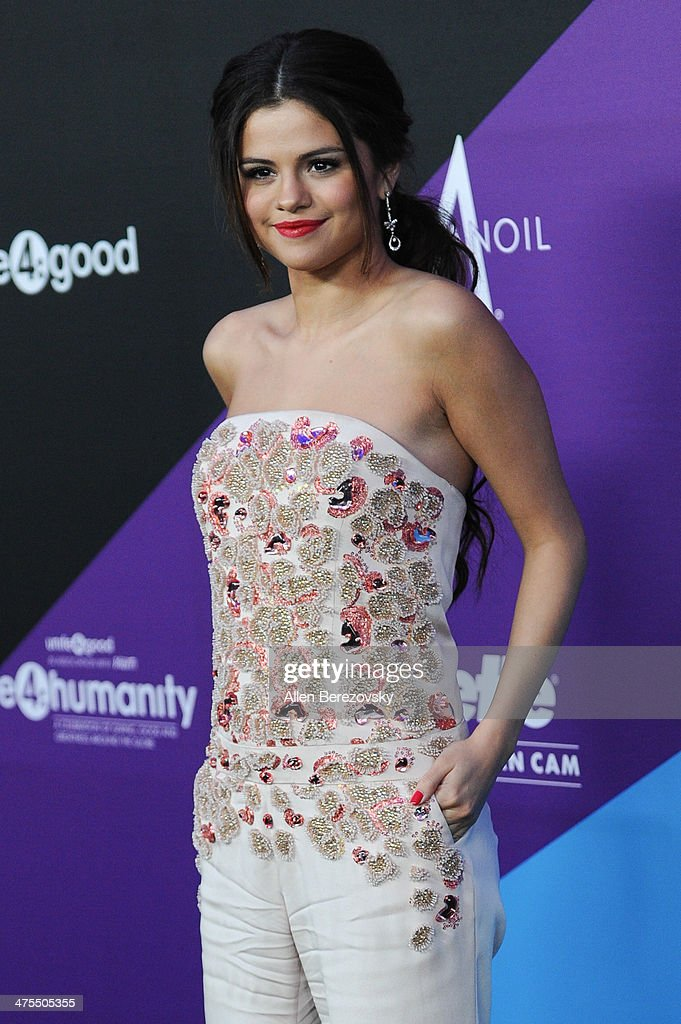 Singer/actress Selena Gomez attends the 1st Annual Unite4:humanity Event hosted by Unite4good and Variety on February 27, 2014 in Los Angeles, California.