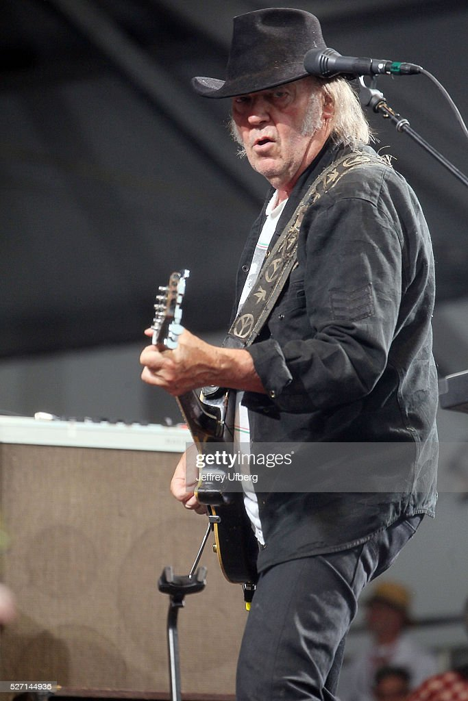Singer/Musician <a gi-track='captionPersonalityLinkClicked' href=/galleries/search?phrase=Neil+Young&family=editorial&specificpeople=209195 ng-click='$event.stopPropagation()'>Neil Young</a> performs at Fair Grounds Race Course on May 1, 2016 in New Orleans, Louisiana.