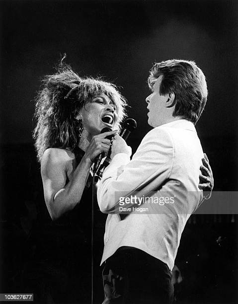 Singers David Bowie and Tina Turner duetting on 'Tonight' at the NEC Birmingham 23rd March 1985