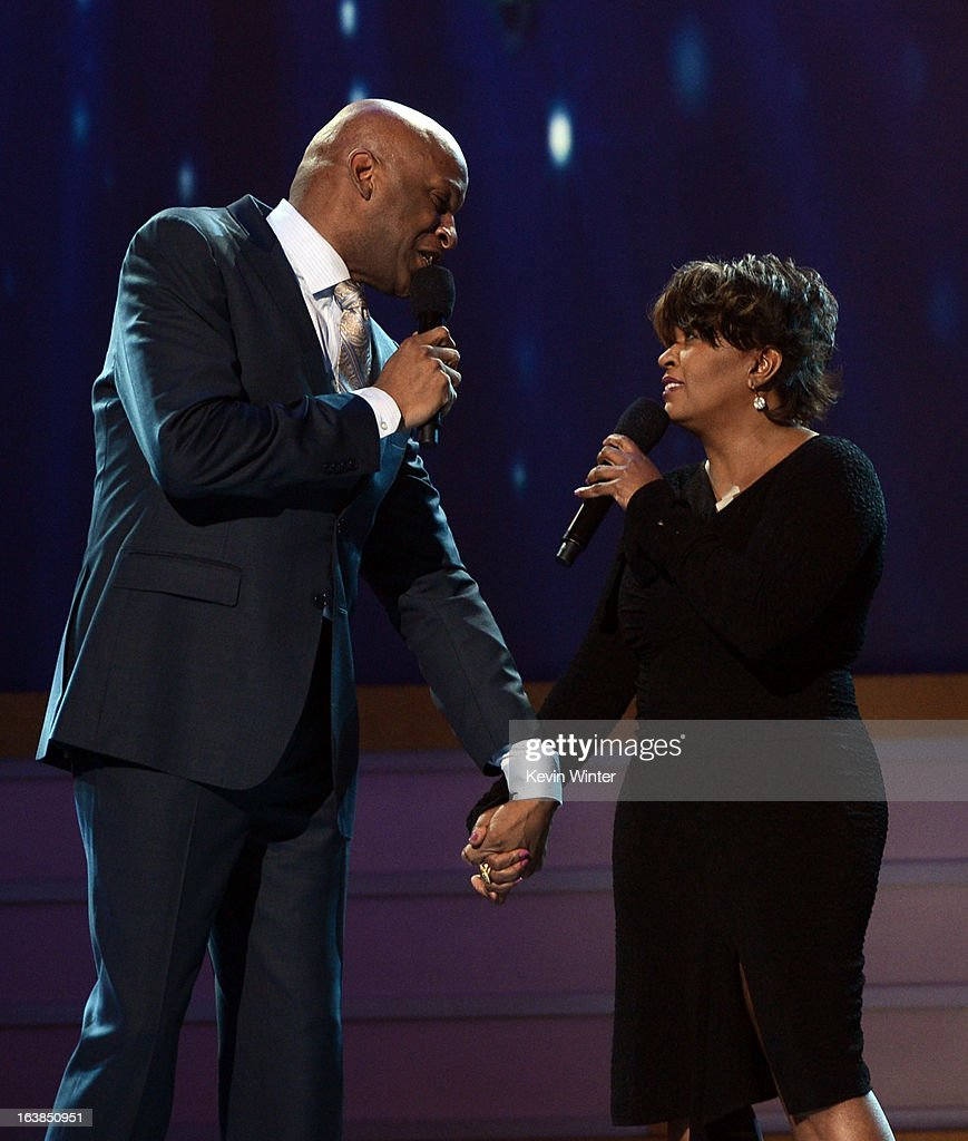 Singers <a gi-track='captionPersonalityLinkClicked' href=/galleries/search?phrase=Donnie+McClurkin&family=editorial&specificpeople=227367 ng-click='$event.stopPropagation()'>Donnie McClurkin</a> (L) and <a gi-track='captionPersonalityLinkClicked' href=/galleries/search?phrase=Anita+Baker&family=editorial&specificpeople=221318 ng-click='$event.stopPropagation()'>Anita Baker</a> perform onstage during the BET Celebration of Gospel 2013 at Orpheum Theatre on March 16, 2013 in Los Angeles, California.
