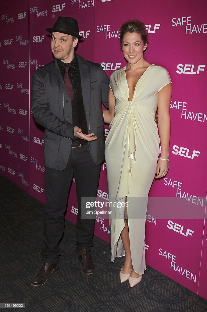 Singers Gavin DeGraw and Colbie Caillat attend the 'Safe Haven' premiere at Landmark's Sunshine Cinema on February 11, 2013 in New York City.