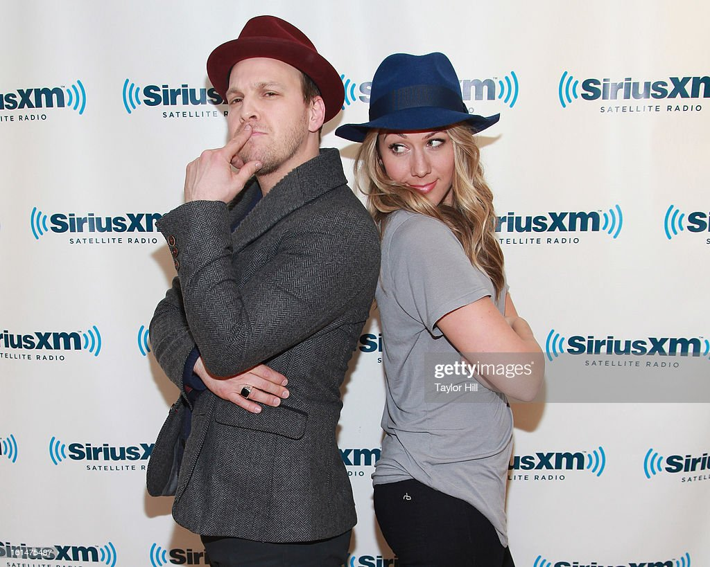Singers Gavin DeGraw and Colbie Caillat visit SiriusXM Studios on February 11, 2013 in New York City.