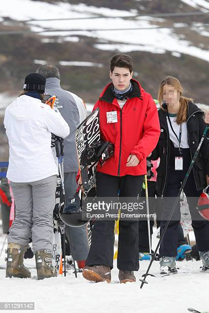 Singers Gemeliers the twins Jesus Oviedo Morilla and Daniel Oviedo Morilla are seen on January 2 2016 in Baqueira Beret Spain