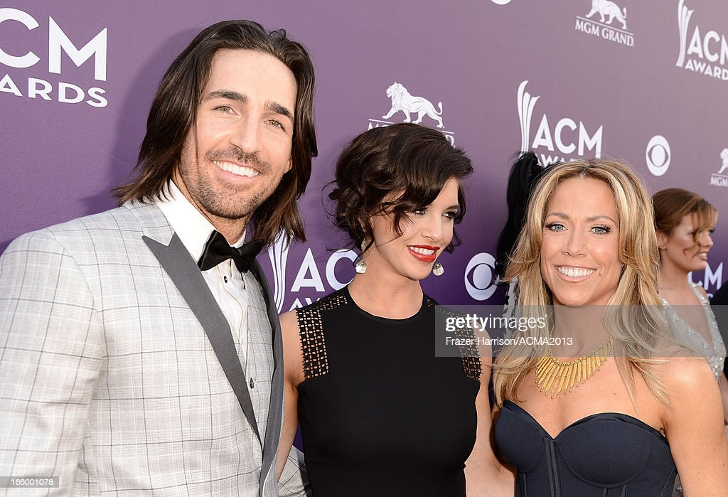 Singers <a gi-track='captionPersonalityLinkClicked' href=/galleries/search?phrase=Jake+Owen&family=editorial&specificpeople=619166 ng-click='$event.stopPropagation()'>Jake Owen</a>, Lacey Owen and <a gi-track='captionPersonalityLinkClicked' href=/galleries/search?phrase=Sheryl+Crow&family=editorial&specificpeople=201867 ng-click='$event.stopPropagation()'>Sheryl Crow</a> attend the 48th Annual Academy of Country Music Awards at the MGM Grand Garden Arena on April 7, 2013 in Las Vegas, Nevada.