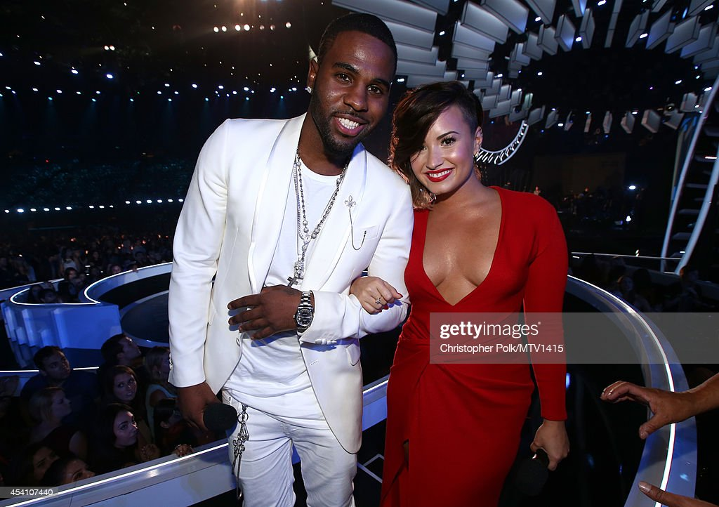 Singers Jason Derulo (L) and Demi Lovato attend the 2014 MTV Video Music Awards at The Forum on August 24, 2014 in Inglewood, California.