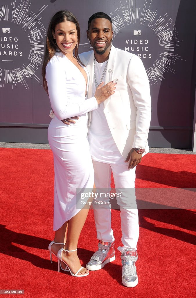 Singers <a gi-track='captionPersonalityLinkClicked' href=/galleries/search?phrase=Jordin+Sparks&family=editorial&specificpeople=4165535 ng-click='$event.stopPropagation()'>Jordin Sparks</a> and <a gi-track='captionPersonalityLinkClicked' href=/galleries/search?phrase=Jason+Derulo&family=editorial&specificpeople=5745869 ng-click='$event.stopPropagation()'>Jason Derulo</a> arrive at the 2014 MTV Video Music Awards at The Forum on August 24, 2014 in Inglewood, California.