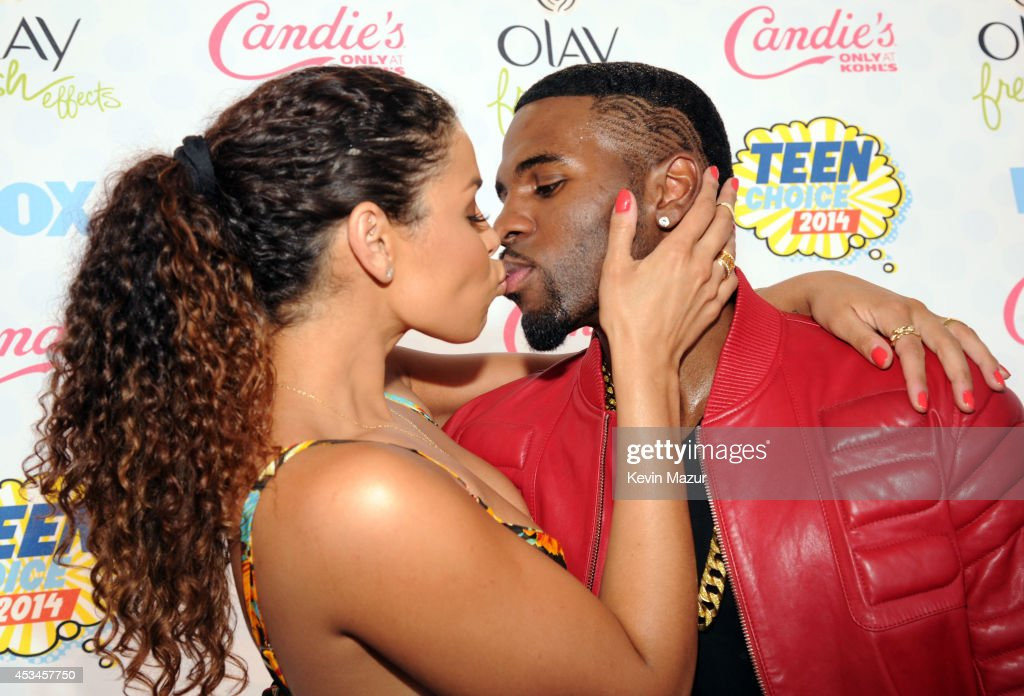 Singers <a gi-track='captionPersonalityLinkClicked' href=/galleries/search?phrase=Jordin+Sparks&family=editorial&specificpeople=4165535 ng-click='$event.stopPropagation()'>Jordin Sparks</a> (L) and <a gi-track='captionPersonalityLinkClicked' href=/galleries/search?phrase=Jason+Derulo&family=editorial&specificpeople=5745869 ng-click='$event.stopPropagation()'>Jason Derulo</a> attend FOX's 2014 Teen Choice Awards at The Shrine Auditorium on August 10, 2014 in Los Angeles, California.