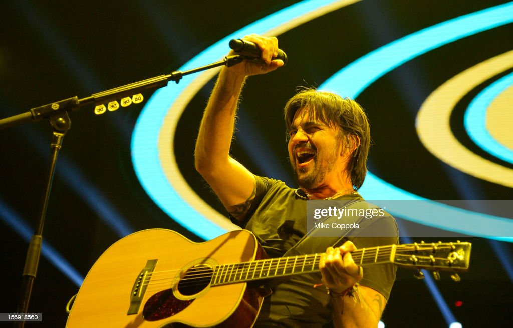 Singers Juanes performs at Barclays Center of Brooklyn on November 24, 2012 in New York City.