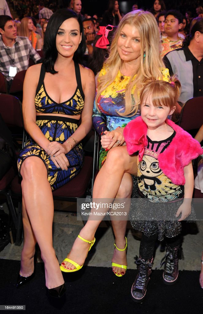Singers <a gi-track='captionPersonalityLinkClicked' href=/galleries/search?phrase=Katy+Perry&family=editorial&specificpeople=599558 ng-click='$event.stopPropagation()'>Katy Perry</a> and Fergie attend Nickelodeon's 26th Annual Kids' Choice Awards at USC Galen Center on March 23, 2013 in Los Angeles, California.