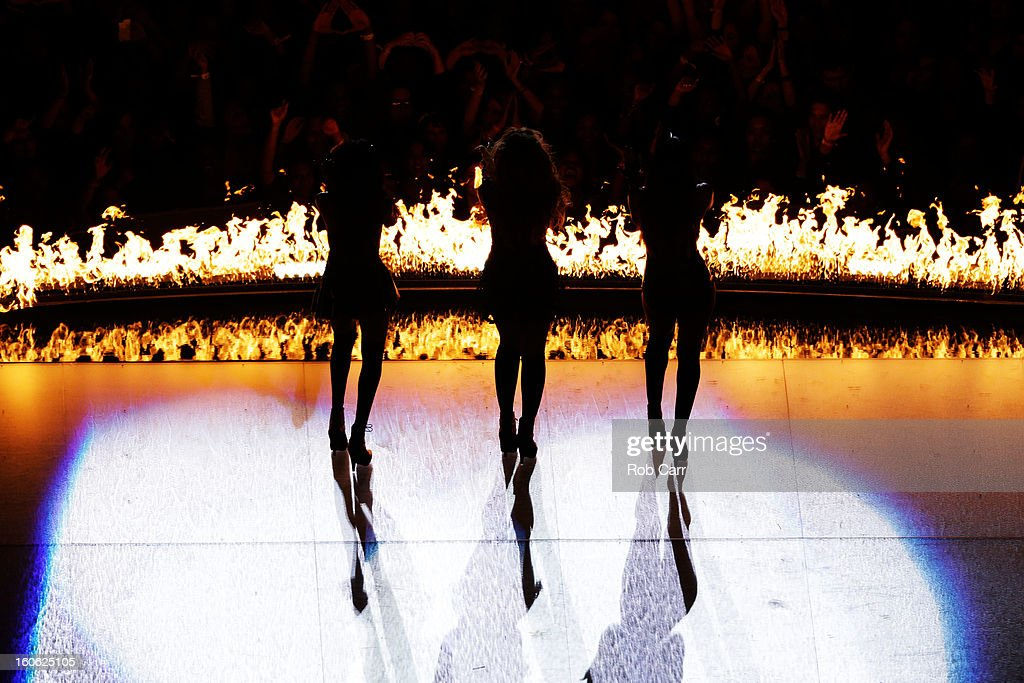 Singers Kelly Rowland (R), Beyonce (C) and Michelle Williams (L) perform during the Pepsi Super Bowl XLVII Halftime Show at the Mercedes-Benz Superdome on February 3, 2013 in New Orleans, Louisiana.