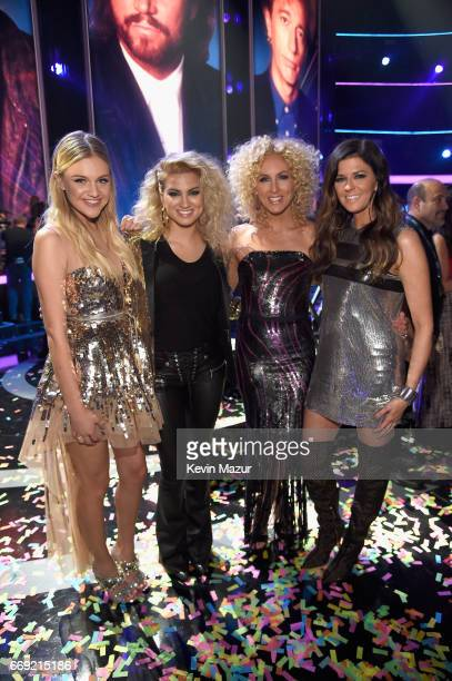 Singers Kelsea Ballerini Tori Kelly and Kimberly Schlapman and Karen Fairchild of Little Big Town during 'Stayin' Alive A GRAMMY Salute To The Music...