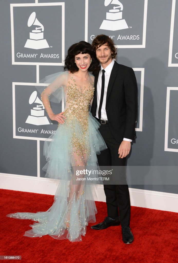 Singers Kimbra (L) and <a gi-track='captionPersonalityLinkClicked' href=/galleries/search?phrase=Gotye&family=editorial&specificpeople=4056440 ng-click='$event.stopPropagation()'>Gotye</a> arrive at the 55th Annual GRAMMY Awards at Staples Center on February 10, 2013 in Los Angeles, California.