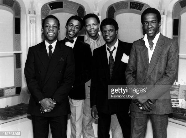 New Edition Singing Group 32