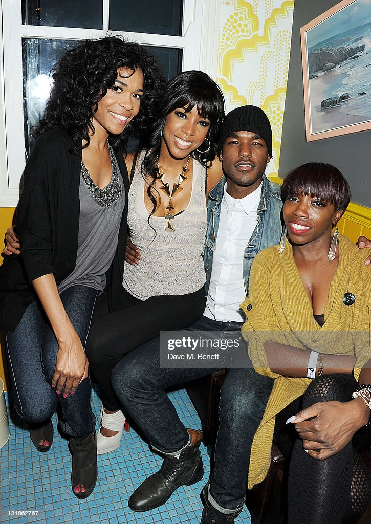 Singers Michelle Williams Kelly Rowland Luke James and Estelle attend a karaoke party hosted by singer Luke James in the Karaoke Shower Room at...
