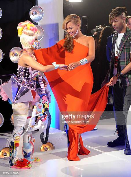 Singers Nicki Minaj and Beyonce arrive at the 2011 MTV Video Music Awards at Nokia Theatre LA LIVE on August 28 2011 in Los Angeles California