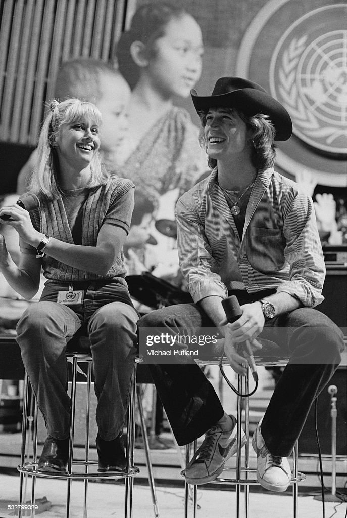 Singers Olivia Newton-John and Andy Gibb (1958 - 1988), at 'The Music for UNICEF Concert: A Gift of Song' benefit concert held at the United Nations General Assembly in New York City, 9th January 1979. The pair sang a duet 'Rest Your Love On Me'.