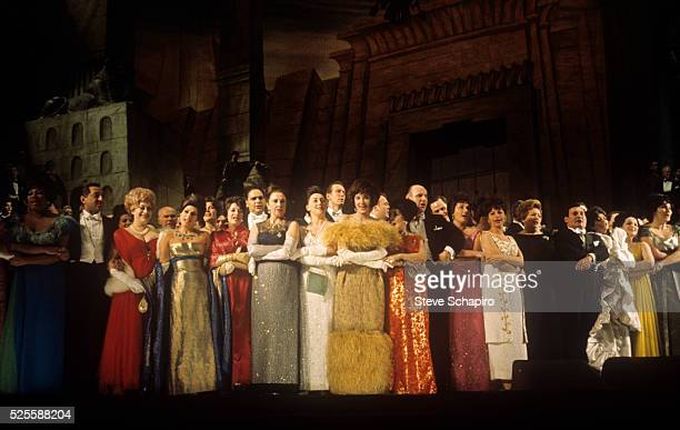 Singers on stage during the farewell ceremonies for the old New York Metropolitan Opera House at 1411 Broadway between 39th and 40th Streets The...