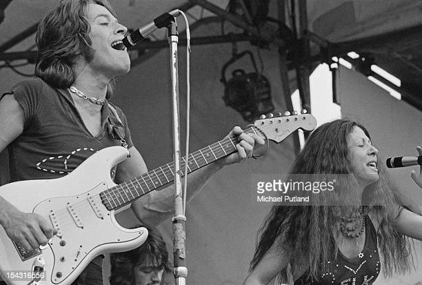 Singers Robert Palmer and Elkie Brooks performing with British rhythm and blues band Vinegar Joe at the Reading Festival Reading Berkshire 13th...