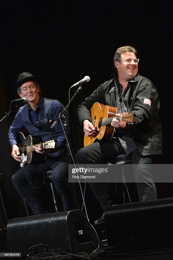 Singers <a gi-track='captionPersonalityLinkClicked' href=/galleries/search?phrase=Rodney+Crowell&family=editorial&specificpeople=653146 ng-click='$event.stopPropagation()'>Rodney Crowell</a> and <a gi-track='captionPersonalityLinkClicked' href=/galleries/search?phrase=Vince+Gill&family=editorial&specificpeople=215309 ng-click='$event.stopPropagation()'>Vince Gill</a> perform during the All For the Hall New York concert benefiting the Country Music Hall of Fame at Best Buy Theater on February 26, 2013 in New York City.