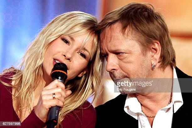 Singers Romane Serda and Renaud perform on the set of Pascal Sevran's TV show 'Chanter La Vie'