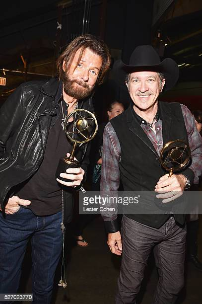 Singers Ronnie Dunn and Kix Brooks of Brooks Dunn winners of the Nash Icon award attend the 2016 American Country Countdown Awards at The Forum on...