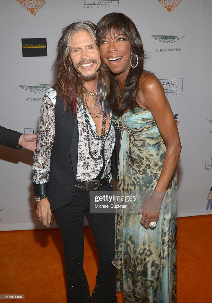 Singers <a gi-track='captionPersonalityLinkClicked' href=/galleries/search?phrase=Steven+Tyler+-+Musician&family=editorial&specificpeople=202080 ng-click='$event.stopPropagation()'>Steven Tyler</a> (L) and <a gi-track='captionPersonalityLinkClicked' href=/galleries/search?phrase=Natalie+Cole&family=editorial&specificpeople=201839 ng-click='$event.stopPropagation()'>Natalie Cole</a> attend the 21st annual Race to Erase MS at the Hyatt Regency Century Plaza on May 2, 2014 in Century City, California.