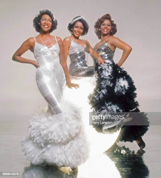 Singers Supremes Mary Wilson Sherri Payne Cindy Birdsong pose for a portrait in 2001 in Los Angeles California