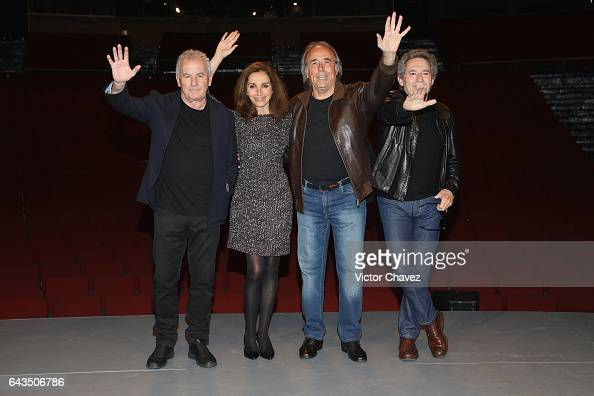 Singers Victor Manuel Ana Belen Joan Manuel Serrat and Miguel Rios attend a press conference to promote their tour 'El Gusto Es Nuestro 20 Anos' at...