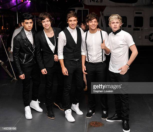 Singers Zayn Malik Harry Styles Liam Payne Louis Tomlinson and Niall Horan of One Direction attend the 'Men In Black 3' New York Premiere after party...
