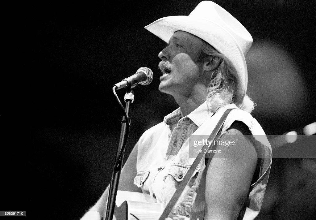 Singer/Songwriter Alan Jackson performs at The OMNI Coliseum in Atlanta Georgia February 19, 1991