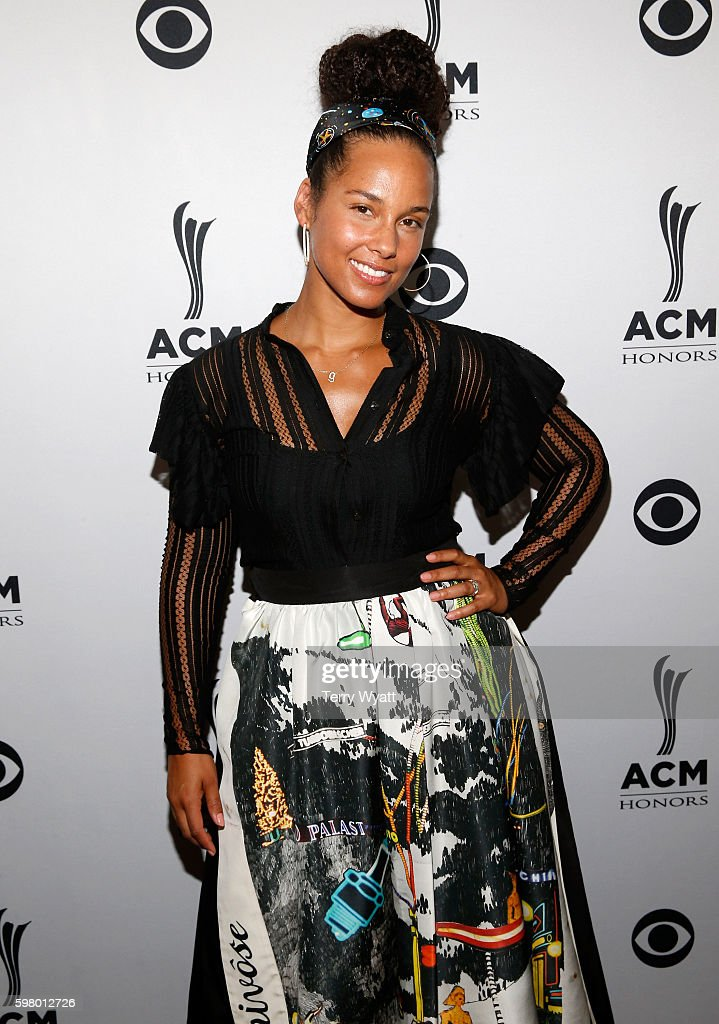 Singer-songwriter Alicia Keys attends the 10th Annual ACM Honors at the Ryman Auditorium on August 30, 2016 in Nashville, Tennessee.