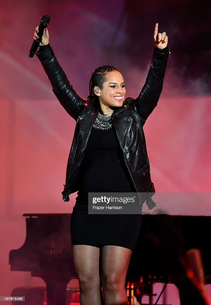 Singer/songwriter Alicia Keys performs onstage during CBS Radio's We Can Survive at the Hollywood Bowl on October 24 2014 in Los Angeles California