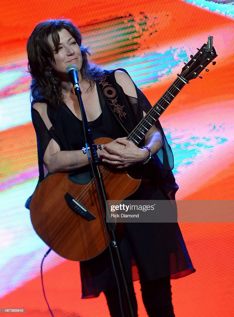Singersongwriter Amy Grant performs onstage during the GMA Honors Celebration and Hall of Fame Induction at the Allen Arena at Lipscomb University on...