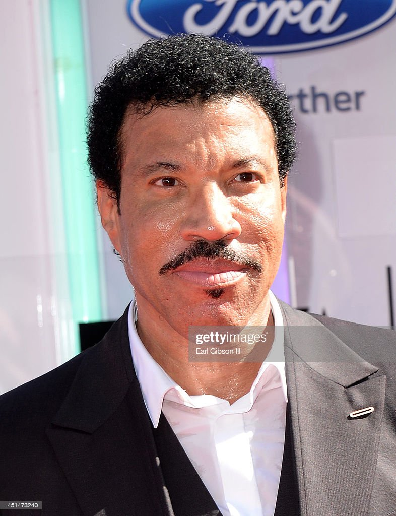 Singer/songwriter and Lifetime Achievement Honoree <a gi-track='captionPersonalityLinkClicked' href=/galleries/search?phrase=Lionel+Richie&family=editorial&specificpeople=204139 ng-click='$event.stopPropagation()'>Lionel Richie</a> attends the BET AWARDS '14 at Nokia Theatre L.A. LIVE on June 29, 2014 in Los Angeles, California.