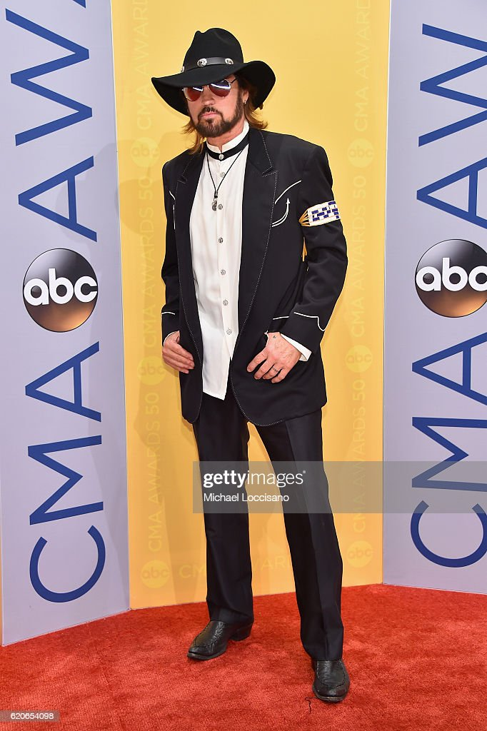 singersongwriter-billy-ray-cyrus-attends-the-50th-annual-cma-awards-picture-id620654098