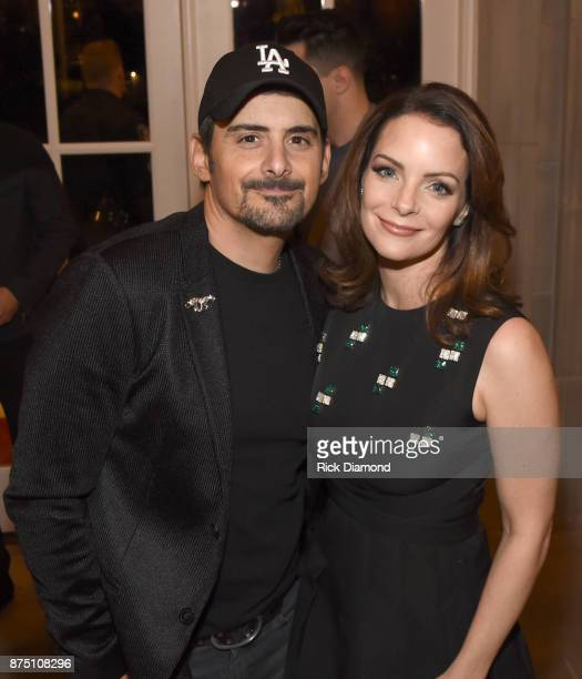 Singersongwriter Brad Paisley and actress Kimberly WilliamsPaisley attend ACM Lifting Lives featuring Little Big Town hosted and underwritten by...
