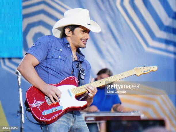 Singer/songwriter Brad Paisley performs on ABC's 'Good Morning America' at Rumsey Playfield Central Park on August 29 2014 in New York City
