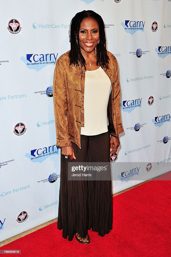 Singer-songwriter Brenda Russell arrives at 'Shall We Dance' Annual Gala for the Coalition for At-Risk Youth at The Beverly Hilton Hotel on May 11, 2013 in Beverly Hills, California.