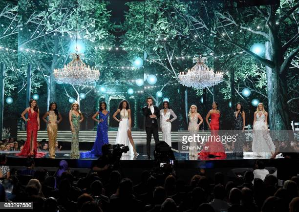 Singer/songwriter Brett Eldredge performs as the top 10 finalists Miss Alaska USA 2017 Alyssa London Miss Illinois USA 2017 Whitney Wandland Miss New...