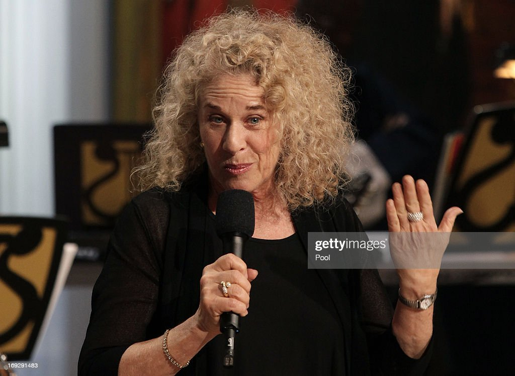 Singer-songwriter <a gi-track='captionPersonalityLinkClicked' href=/galleries/search?phrase=Carole+King+-+Musician&family=editorial&specificpeople=211440 ng-click='$event.stopPropagation()'>Carole King</a> speaks after being awarded by U.S. President Barack Obama the 2013 Library of Congress Gershwin Prize for Popular Song at the White House on May 22, 2013 in Washington, DC. The Gershwin Prize for Popular Song recognizes artists for lifetime achievements in musical expression.