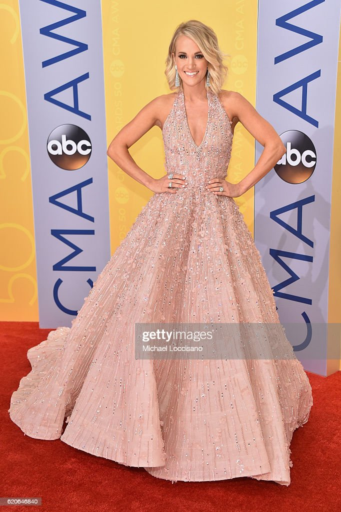 singersongwriter-carrie-underwood-attends-the-50th-annual-cma-awards-picture-id620646840