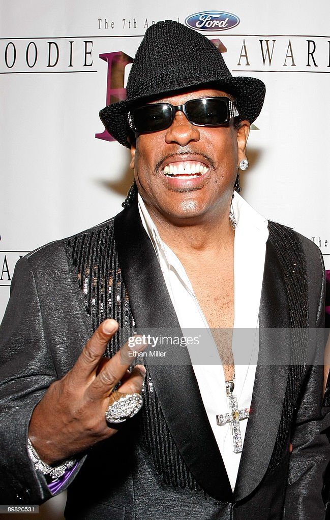 Singer/songwriter Charlie Wilson arrives at the seventh annual Hoodie Awards at the Mandalay Bay Events Center August 15, 2009 in Las Vegas, Nevada.
