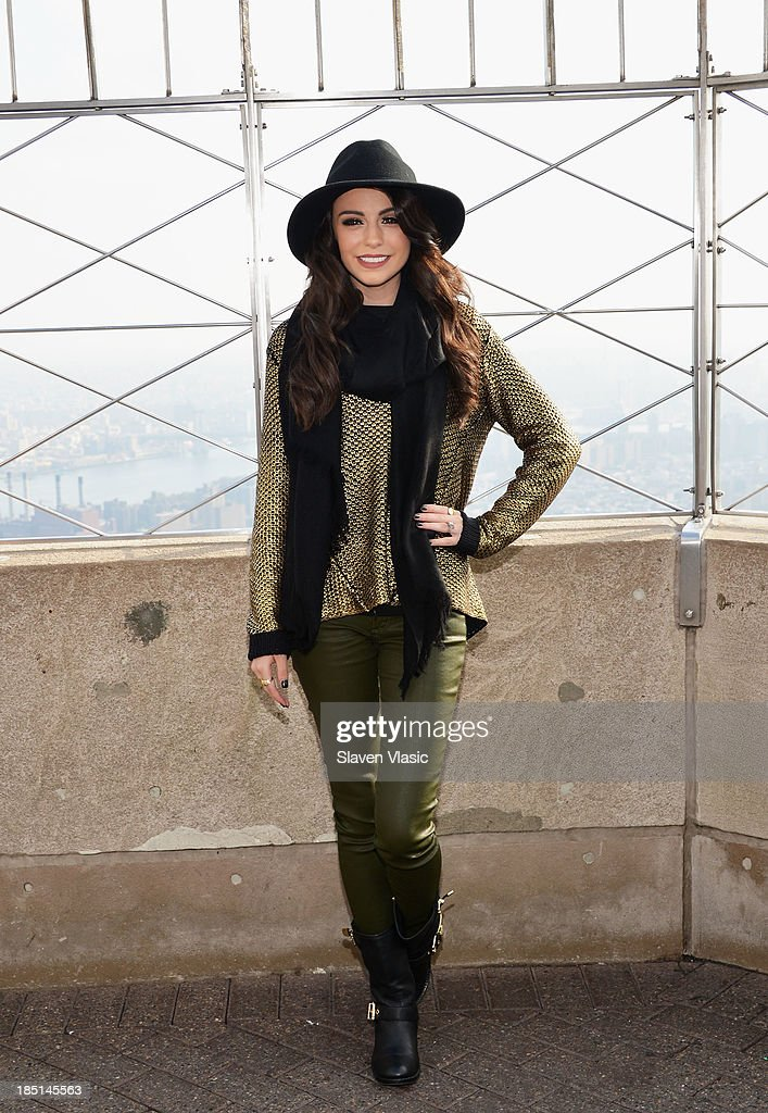 Cher Lloyd Visits The Empire State Building