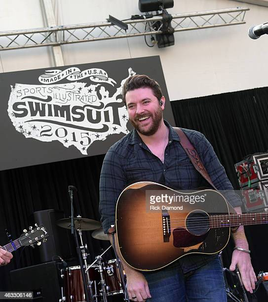 Singer/Songwriter Chris Young performs at the 2015 Sports Illustrated Swimsuit's 'Swimville' Takes Over Nashville Day 2 on February 12 2015 in...