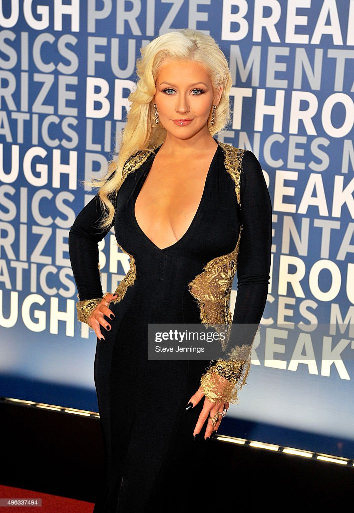 Singer/songwriter <a gi-track='captionPersonalityLinkClicked' href=/galleries/search?phrase=Christina+Aguilera&family=editorial&specificpeople=171272 ng-click='$event.stopPropagation()'>Christina Aguilera</a> attends the 2016 Breakthrough Prize Ceremony on November 8, 2015 in Mountain View, California.