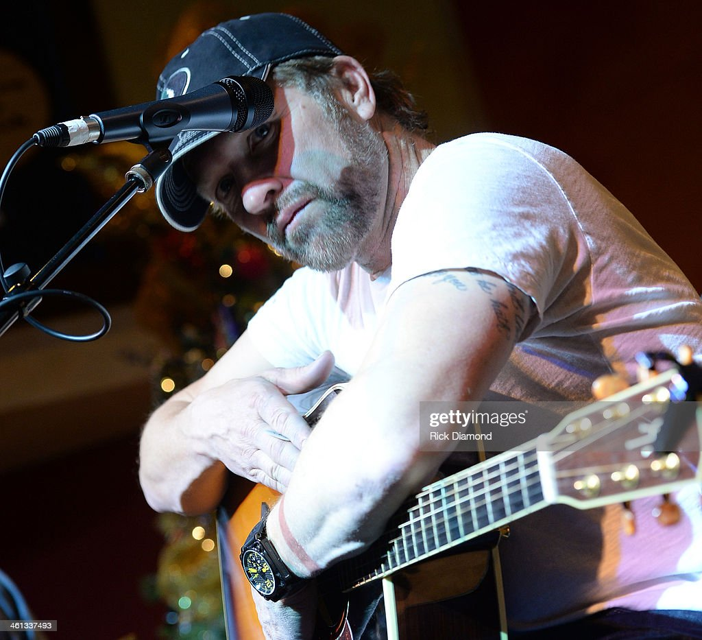 Singer/Songwriter <a gi-track='captionPersonalityLinkClicked' href=/galleries/search?phrase=Craig+Morgan&family=editorial&specificpeople=238953 ng-click='$event.stopPropagation()'>Craig Morgan</a> performs at the 2014 ATA Trade Show Party sponsored by F3 Entertainment at Margaritaville on January 7, 2014 in Nashville, Tennessee.