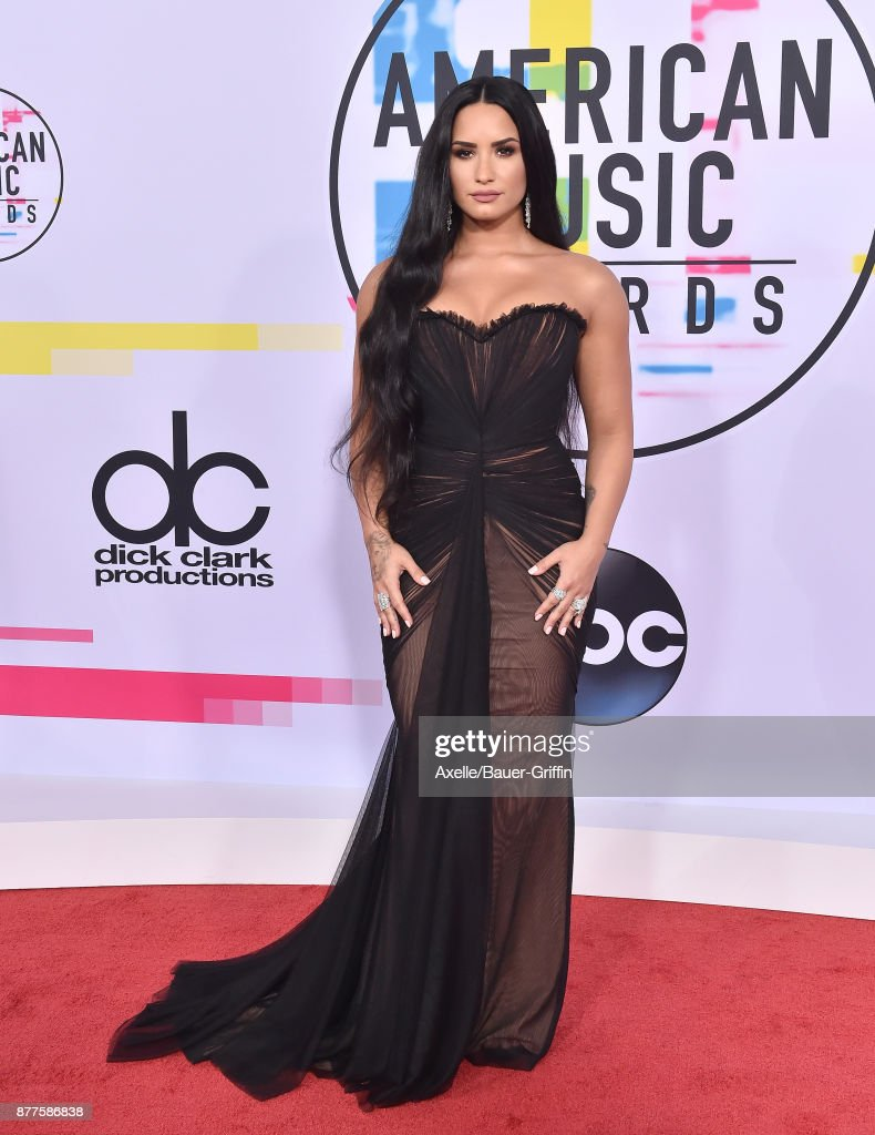Singer/songwriter Demi Lovato arrives at the 2017 American Music Awards at Microsoft Theater on November 19, 2017 in Los Angeles, California.