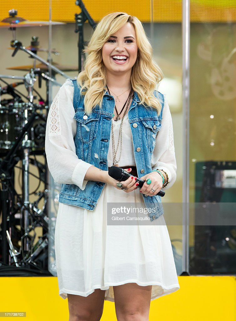 Singer-songwriter <a gi-track='captionPersonalityLinkClicked' href=/galleries/search?phrase=Demi+Lovato&family=editorial&specificpeople=4897002 ng-click='$event.stopPropagation()'>Demi Lovato</a> performs during ABC's 'Good Morning America' at Rumsey Playfield on June 28, 2013 in New York City.