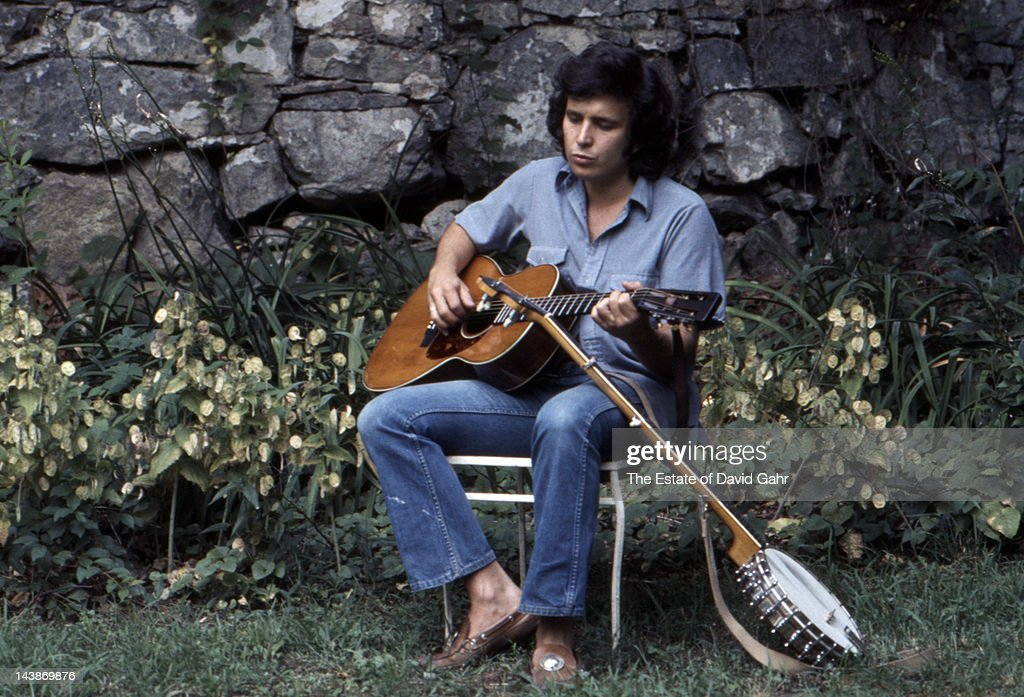 Singer-songwriter Don McLean poses for a picture at home on July 16, 1974 in Garrison, New York.